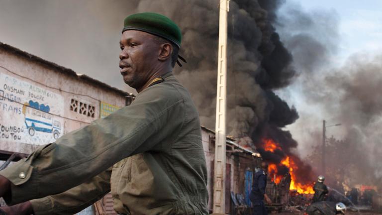 Mali lanza una ofensiva apoyada por Francia contra los rebeldes salafistas