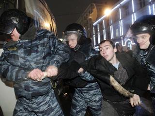 Ver vídeo  'Malos resultados para Vladimir Putin en las elecciones'