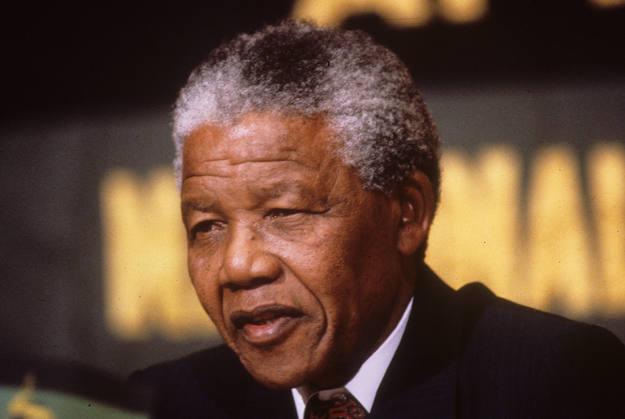 Mandela en una imagen de los años 90, liderando el CNA, en su lucha por una democracia multirracial en Sudáfrica