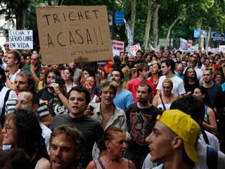 Ver vídeo  'Manifestación del 15M tras la carga policial en Madrid'
