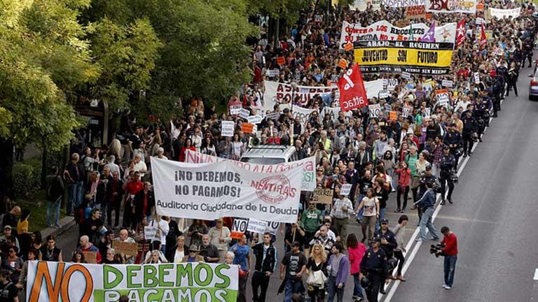 Manifestación multitudinaria en Madrid contra la deuda del Estado y la especulación