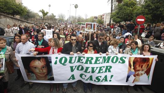 MANIFESTACIÓN PARA EXIGIR EL REGRESO A CASA DE LOS NIÑOS JOSÉ Y RUTH