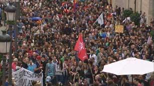 Ver vídeo  'Manifestación en Valencia ante las Cortes, en solidaridad del movimiento del 25S'