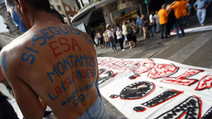 Ver vídeo  'Manifestaciones por el 15M en toda España'