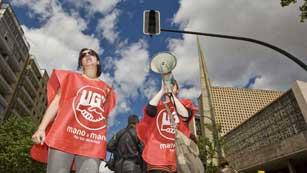 Ver vídeo  'Manifestaciones en defensa de la Sanidad y la Educación Pública en 50 ciudades españolas'