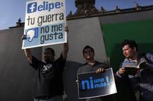 Manifestantes en Monterrey (México) protestan contra la violencia y contra la políitica de Calderón