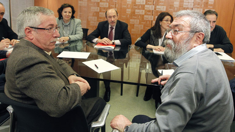 Los sindicatos UGT y CC.OO. se re&uacute;nen con IU y con el PSOE