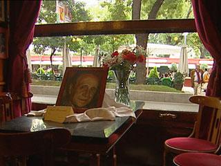 Ver vídeo  'Manuel Alexandre era un asiduo de la tertulia del Café Gijón'