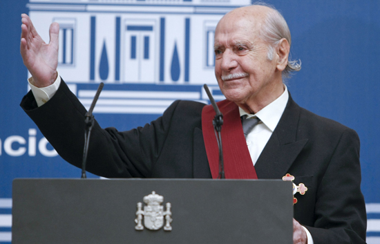 Ver vídeo  'Manuel Alexandre ha recibido la Gran Cruz de Alfonso Décimo el Sabio'