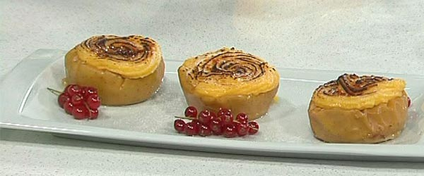 Manzanas asadas caramelizadas propuestas por Sergio Fern&aacute;ndez en Saber Cocinar.
