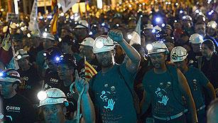 """Ver vídeo  'La """"Marcha Negra"""" llega a la Puerta del Sol con gritos de apoyo a los mineros'"""