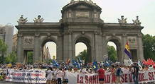 La 'marea blanca' en la Puerta de Alcalá