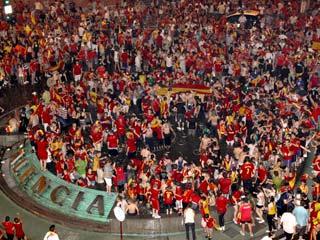 Ver v?deo  'Marea roja de Durban a Pamplona'