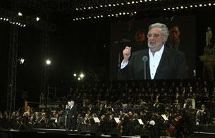 Ver v?deo  'Más de 200.000 personas disfrutan de la voz de Plácido Domingo en México'