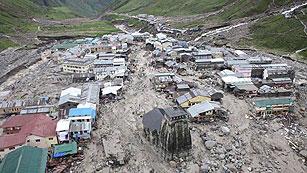 Ver vídeo  'Más de 500 fallecidos por las inundaciones en el norte de la India'