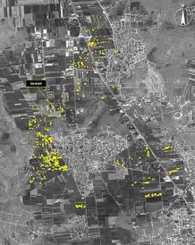 Más de 600 presuntos impactos de artillería pesada, representados con círculos amarillos, en la localidad siria de Anadan.