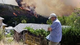 Ver vídeo  'Más de diez incendios activos y entre ellos tres afectan a parques nacionales'
