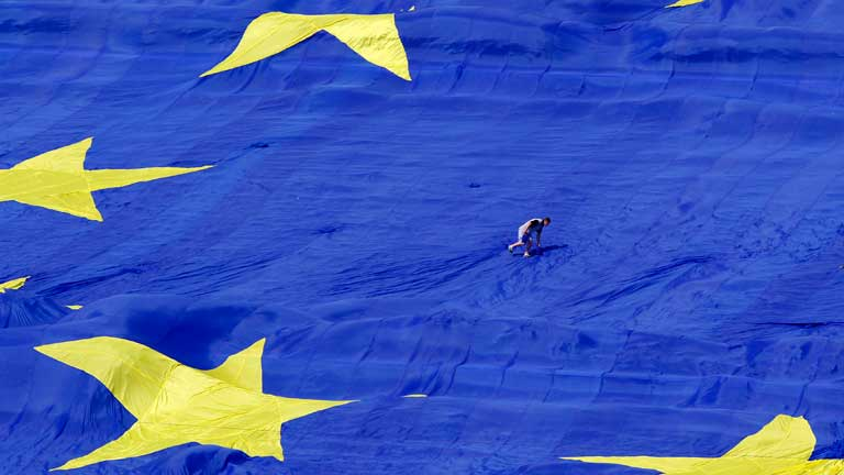 A un año de las elecciones europeas crece el descontento y la desconfianza con la institución europea