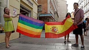 Ver vídeo  'Más Gente - Comienza el Orgullo Gay con el lema 'Igualdad sin recortes''