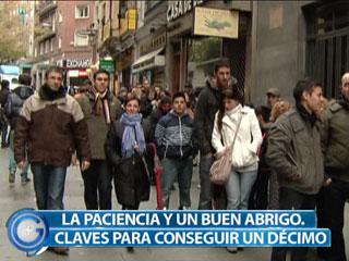 Ver vídeo  'Mas Gente- Historias de Navidad en la cola de la lotería'