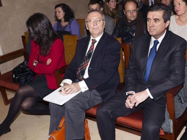 Matas, recibido con insultos y gritos en la primera sesión del juicio por el caso Palma Arena