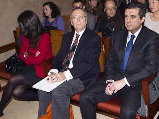 Ver vídeo  'Matas, recibido con insultos y gritos en la primera sesión del juicio por el caso Palma Arena'