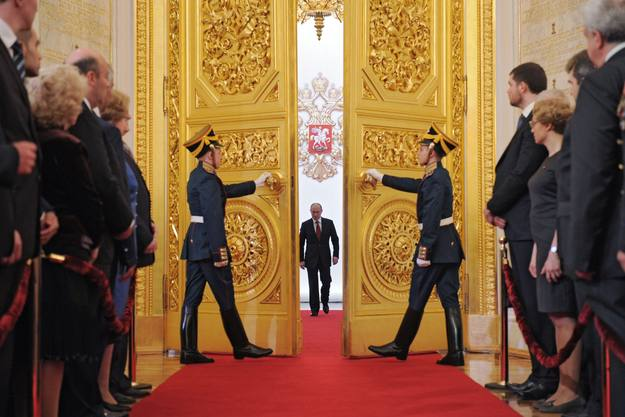 En mayo, las puertas del Kremlin se abrieron para Vladimir Putin, que hizo historia al convertirse en el primer hombre en ser elegido presidente de Rusia por tercera vez.