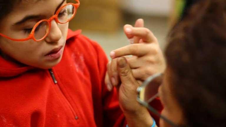 En España hay unas 6.000 personas sordociegas