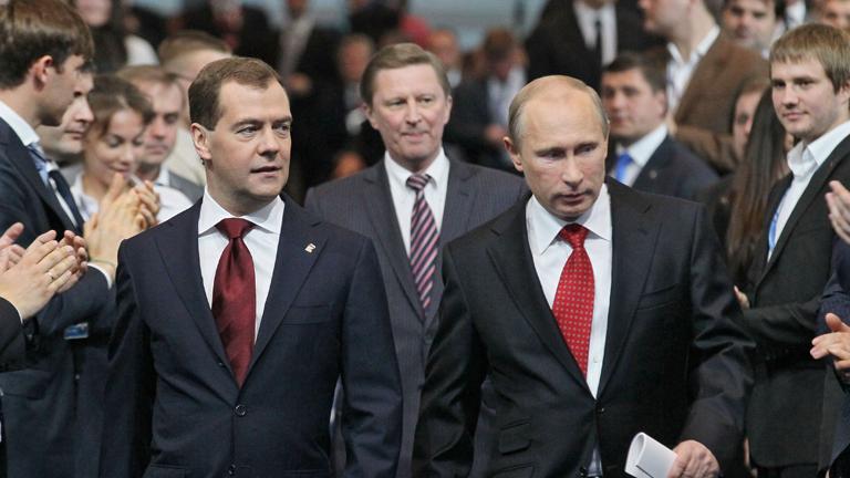 Medvédev es elegido nuevo líder del partido oficialista Rusia Unida