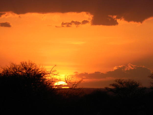 Las mejores puestas de sol las vimos en Kenia - Buscamundos