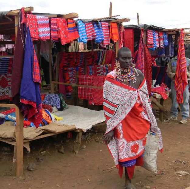 En el mercado de Kimana cerca de Amboseli - Buscamundos