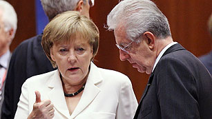 Ver vídeo  'Merkel y Monti se reúnen en Roma tras la cesión de Alemania en el Consejo Europeo'