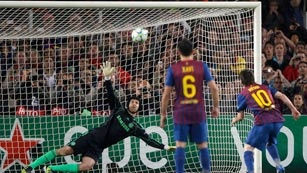Ver vídeo  'Messi falla un penalti decisivo'
