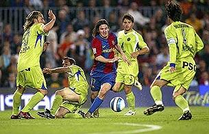 Ver vídeo  'Messi marca al e
