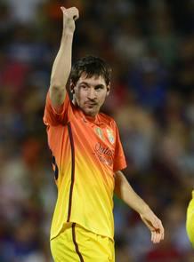 Messi salió desde el banquillo para marcar dos nuevos goles en Liga.
