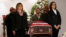 México y España lloran la muerte de su dama