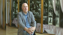 Declan Donnellan, director y fundador de la compañía Cheek by Jowl