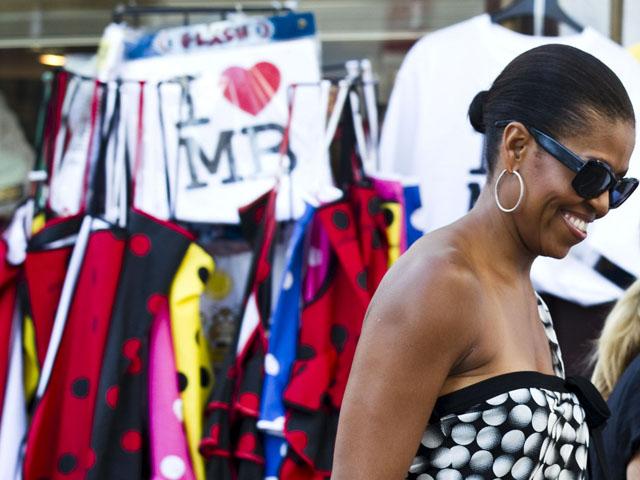 Ver v?deo  'Michelle Obama, de compras por Marbella'