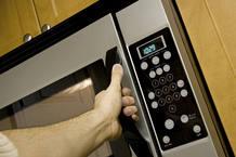 Los microondas son una forma rápida y segura de calentar alimentos