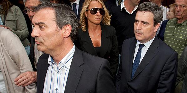 Miguel Cardenal a la salida del funeral.
