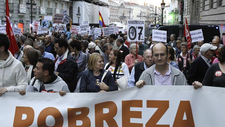 """Miles de personas salen a la calle para pedir medidas contra la distribución """"injusta"""" de riqueza"""