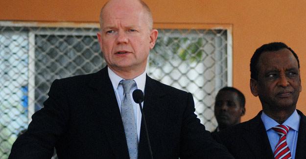 El ministro de Exteriores de Reino Unido, William Hague, habla en Mogadiscio, Somalia