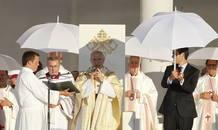 El arzobispo de Madrid, cardenal Antonio María Rouco, durante la misa de bienvenida a los peregrinos