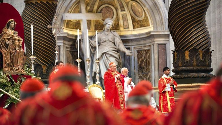 Sodano hace un llamamiento a la unidad de la Iglesia en la misa previa al cónclave