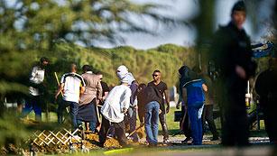 Ver vídeo  'Mohamed Merah es enterrado en un cementerio musulmán de Toulouse'