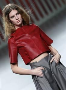 'Bautismo' es el nombre de la colección del diseñador Moisés Nieto, debutante en El Ego de Cibeles.