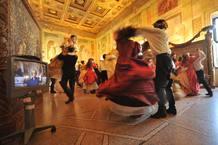 Un momento de los ensayos de 'Rigoletto' en los escenarios naturales