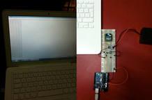 Un prototipo del sistema de monitorización en tiempo real, con el que se puede capturar la información sobre el consumo de diversos dispositivos del hogar