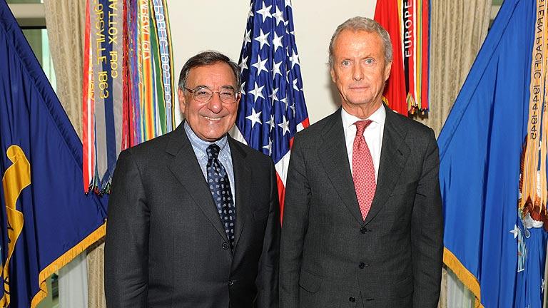 Morenés asegura que España podría adelantar la salida de las tropas de Afganistán