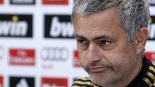 """Ver vídeo  'Mourinho, satisfecho con los suyos aunque """"el árbitro se ha equivocado""""'"""